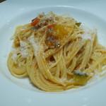 スペッロ - パスタ パンチェッタと夏野菜、パルミジャーノチーズのスパゲティ