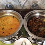 69015831 - ダールカレーと野菜(茄子)カレー
