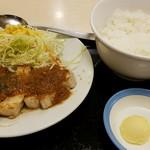 松屋 - 厚切りポークソテー定食700円
