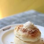 メレンゲ - ホイップバターパンケーキ