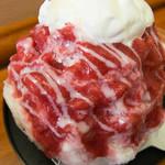 松月氷室 - 料理写真:生いちごプレミアム(800円)
