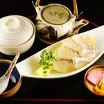 【8月限定】天然真鯛黒胡麻茶漬け