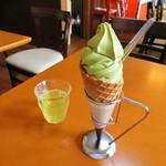 長峰製茶 - 料理写真:抹茶ソフト冷茶付き