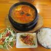 マムズ フード - 料理写真:スンドォブチゲ 780円