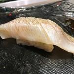 第三春美鮨 - 白鱚 80g 昆布〆 淡路島由良