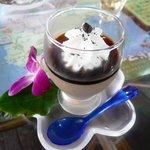 ヒロ コーヒーファーム - コーヒープリン(放し飼いのコッコちゃんの卵を使ってるらしい)
