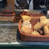 Schlemmermeyer - 料理写真:好きなBratwurstと Brötchenを選ぶ