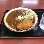 亀よし - カレー蕎麦390円+コロッケ100円也。