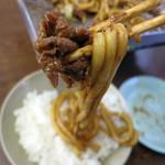 亀とん食堂 - 豚肉と一緒に啜りこみ、白飯をブッコムのであります。弩美味い!