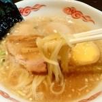 二代目 げんこつ屋 - 二代目 げんこつ屋@新横浜ラーメン博物館 げんこつら~めんの麺