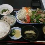 なか亭 - 料理写真:レバニラ炒め定食800円ご飯は大盛仕様です