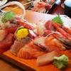 和食処 山女魚 - 料理写真:特上お刺身御膳(海老フライ付)1,650円 の 刺身盛り。これでランチの 1人前です。   2017.06.03