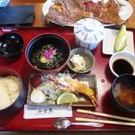 和食処 山女魚 - 日替わり御膳 メインの料理を カレイ唐揚げ 1,650円     2017.06.03