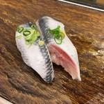 つきじ千鮨 - 脂ノリノリのイワシが一貫80円!
