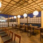 クリーミーTonkotsuラーメン 麺家神明 - テーブル席20席 (お子様用イス3席)