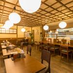 クリーミーTonkotsuラーメン 麺家神明 - カウンター5席