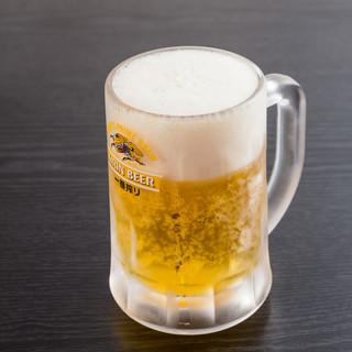 平日17:30~20:00はハッピーアワー☆生ビール半額♪