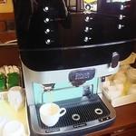 味覚園 - コーヒーなどはセルフです。