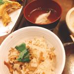 つくよみ 離れ - 穴子の炊き込みご飯とあら汁(^^)