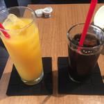 蔵前四丁目カフェ - オレンジジュース 450円、セットのアイスコーヒー