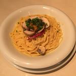 パスタ キッチン - ウニとマッシュルームのクリームソース