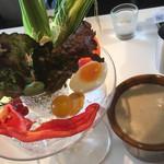 Golden child cafe - バーニャカウダ