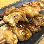 ニュー丹波 - 鶏皮(たれ) 350yen