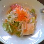 チヅおばさん - 素朴なランチサラダ