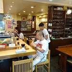 いろは寿司 - いろは寿司 中目黒目黒川沿い店 店内