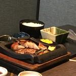 飛騨牛焼肉・韓国料理 丸明 - 飛騨牛サーロインステーキ御膳
