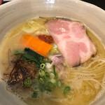 ORIBE - 鶏白湯ラーメン(豚肩ロース)