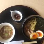 オルガノ - つけ麺(大盛り) スープ  食べるラー油