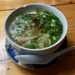 ベトナム酒場 ビアホイ - フォーガー(鶏肉のベトナムうどん)