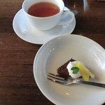 EVITA - ミニドルチェとお茶(ランチパスタセット1,000円)