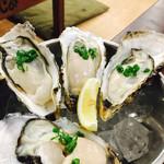 かき小屋 大漁船 - 2017/6/23 ディナーで利用。 生牡蠣(3p)(980円+税) 生牡蠣(1p)(380円+税)