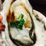 かき小屋 大漁船 - 2017/6/23 ディナーで利用。 生牡蠣にポン酢をかけて…ズルッと(´∀`*)
