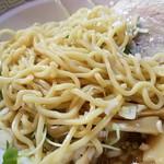 宝華 - 油でコーティングされた麺