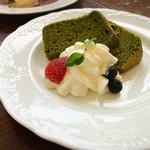 Les deux Bleue - 玄米シフォンケーキ 抹茶と小豆