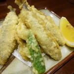 日本酒と蕎麦 中野いざ宵 - 稚鮎の天ぷら