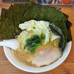 69070871 - うまいラーメン800円麺硬め。海苔増し100円。