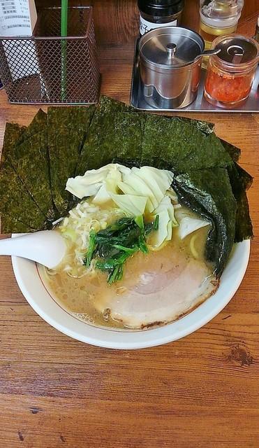 松福 本店 - うまいラーメン800円麺硬め。海苔増し100円。