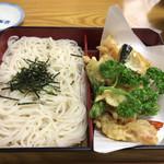 福原 松濤庵 - 冷し天ざる♫蕎麦の喉越しが凄くいいです( ^ω^ )