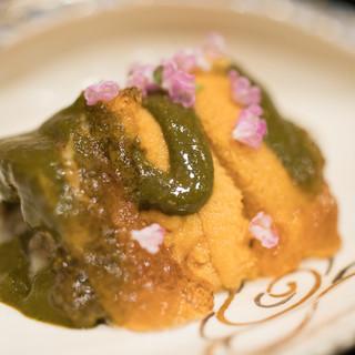 まき村 - 料理写真:2017.6 蒸しアワビ 生ウニ 鮑の肝 出汁ジュレ