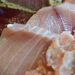 丼ぶりこ - ミナミマグロ食べ比べ丼