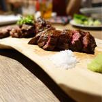 熟成肉バル ギフウッシーナ - 熟成肉の真骨頂登場