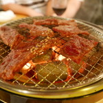 焼肉・塩ホルモン 三ちゃん - 焼き焼き