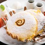 リンコット - お店のシンボルマーク、鳥のロゴが入った愛らしい盛り付けの『鳥かごパンケーキ』