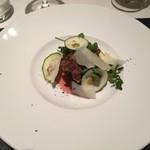 リストランテ カノフィーロ - 滝川産合鴨モモ肉のザンギ サクランボのコンポスタとペコリーノトスカーノ