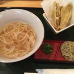 五島うどん びぜん家 - 料理写真:かけうどん(小)、ごぼう天