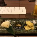 酔亭 とよ蔵 - 前菜盛り合わせ。豆腐、もずく、揚げトウモロコシ